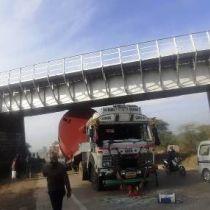 टेंडर दिया, फिर भी नहीं शुरु हुआ काम, नतीजा रेलवे ट्रेक क्षतिग्रस्त, इंजीनियरिंग की लापरवाही